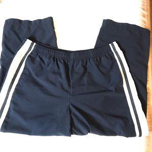 Nike Capri Active Wear Golf Pants Size Large 12/14